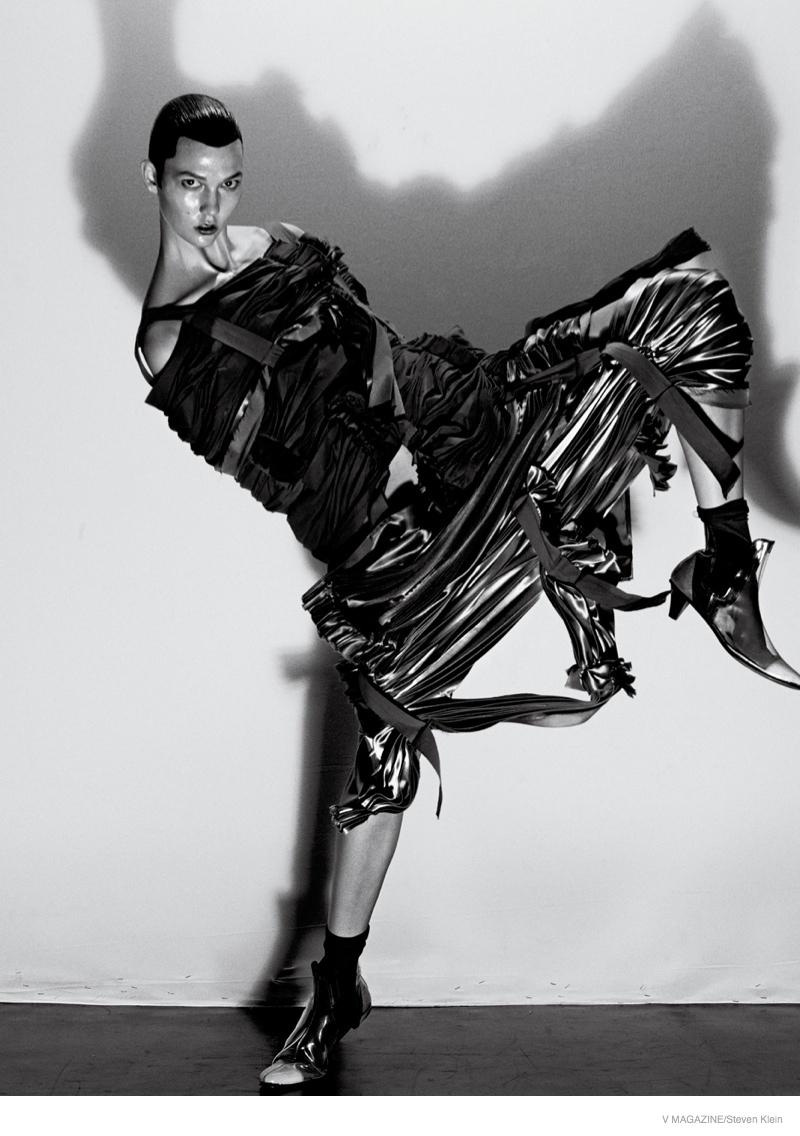 Карли Клосс шокировала новой фотосессией