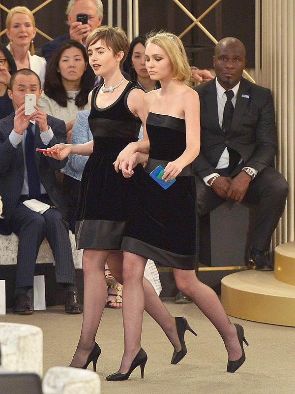 Как две капли: Дочь Джонни Деппа и Ванессы Паради дефилируют на показе Chanel