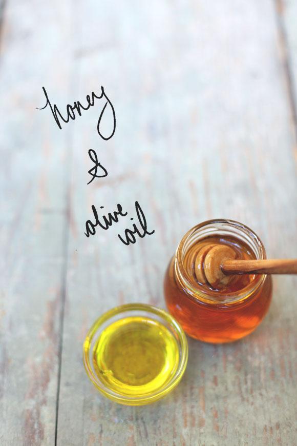 Оливковое масло – один из важнейших греческих ингредиентов, его легко можно найти в любом доме. Обладает бесчисленным количеством полезных свойств для волос, тела и организма