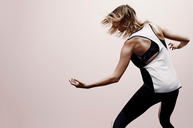 Карли Клосс показала новую коллекцию Nike