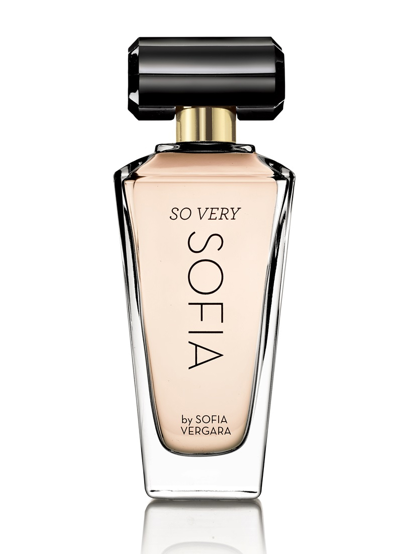 Ароматы Флор де Майо: актриса София Вергара создала женский парфюм для Avon