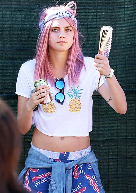 Фотофакт: Кара Делевинь стала розовой