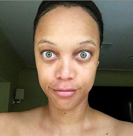 Фотофакт: Тайра Бэнкс шокировала своим лицом без косметики