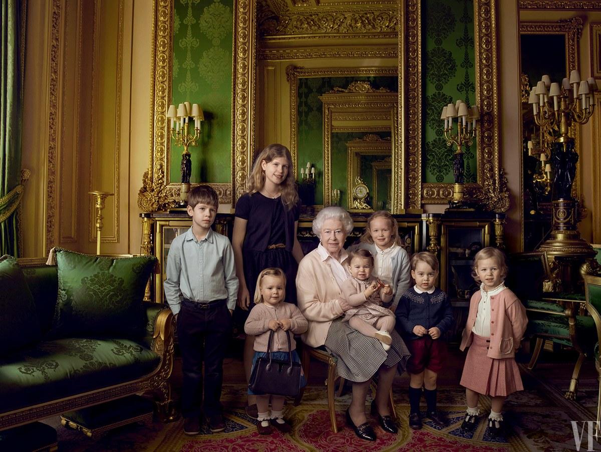 Звезда глянца: королева Елизавета II украсила обложку нового Vanity Fair
