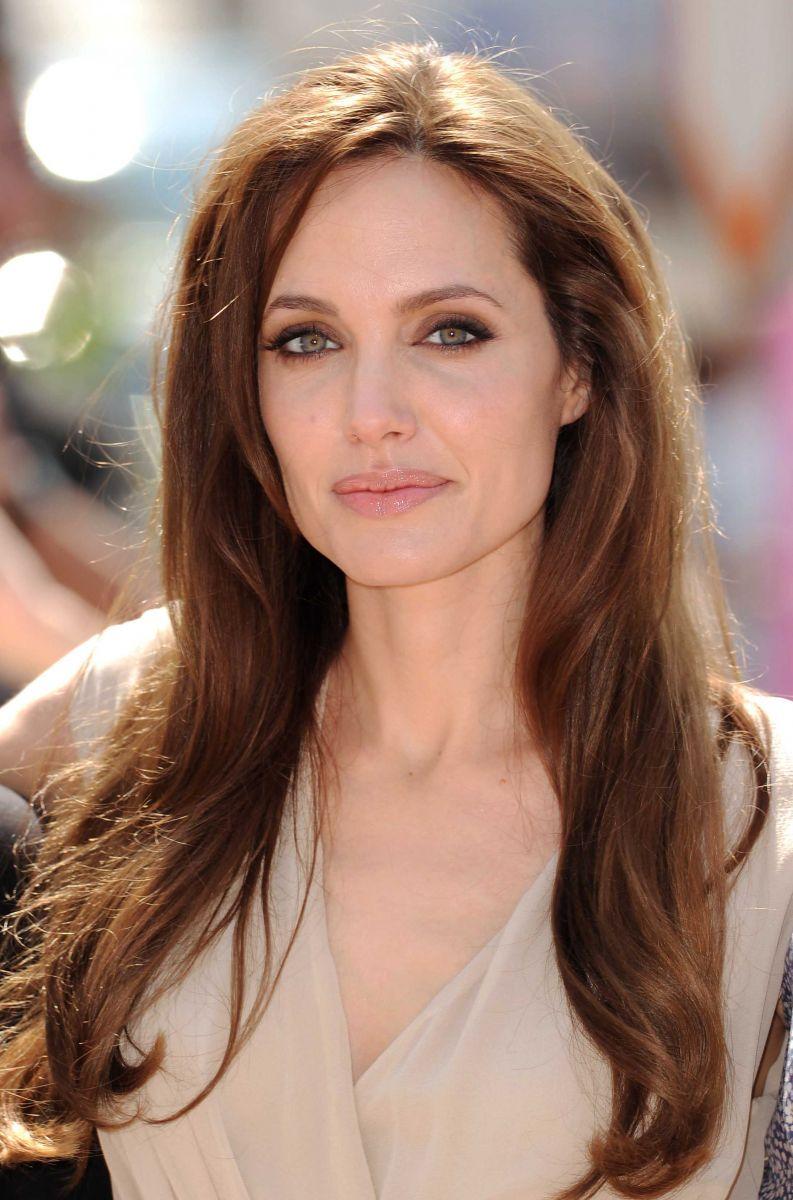 Бьюти-эволюция Анджелины Джоли: как менялась роковая красотка (ФОТО)
