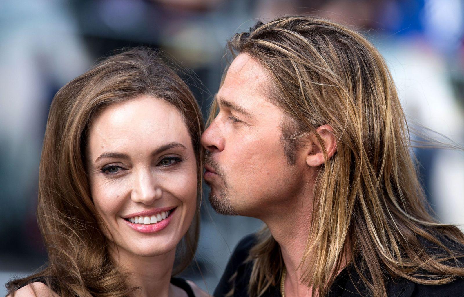 Лучшие моменты Анджелины Джоли и Брэда Питта (ФОТО)