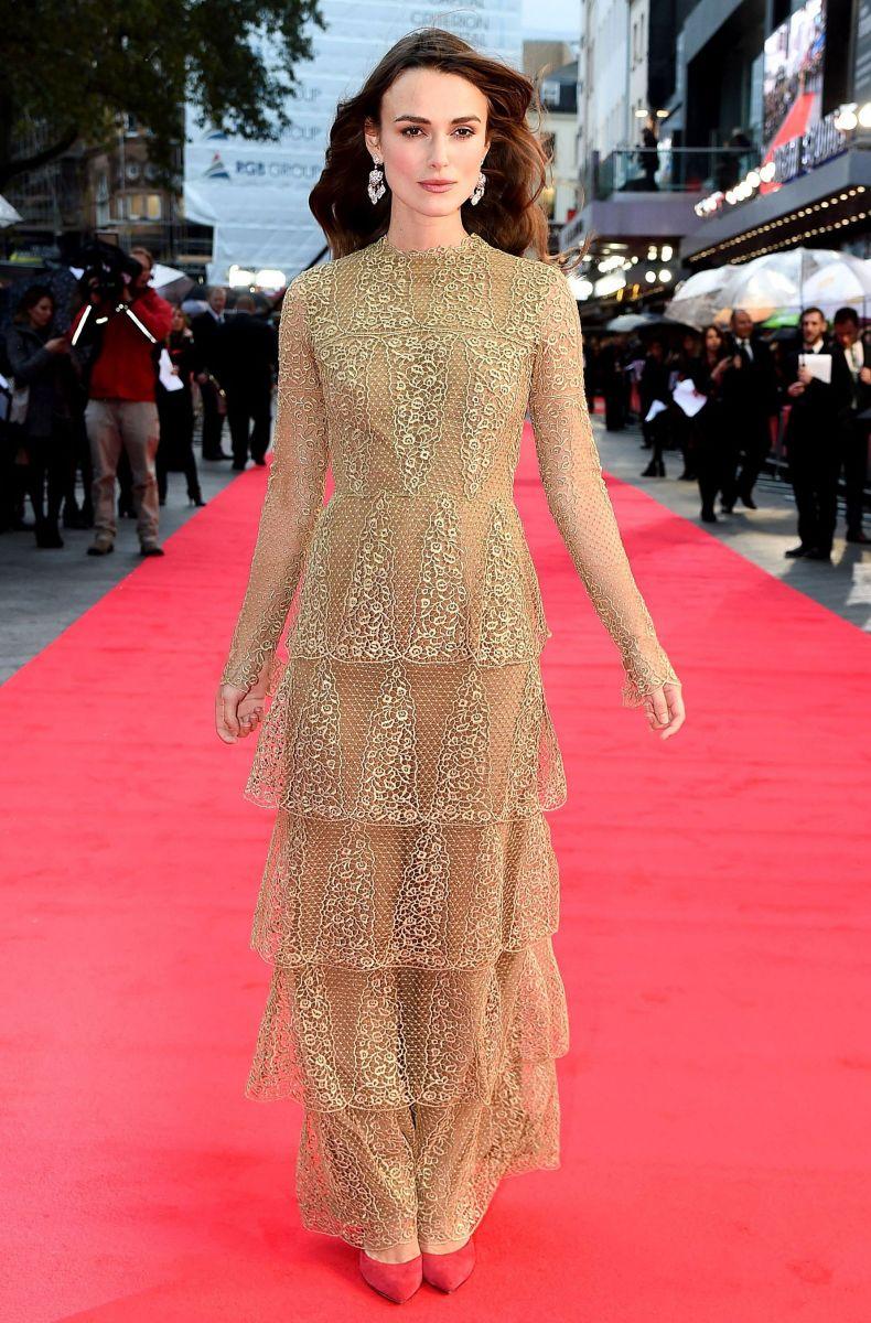 Британская изящность: Кира Найтли в платье от Valentino