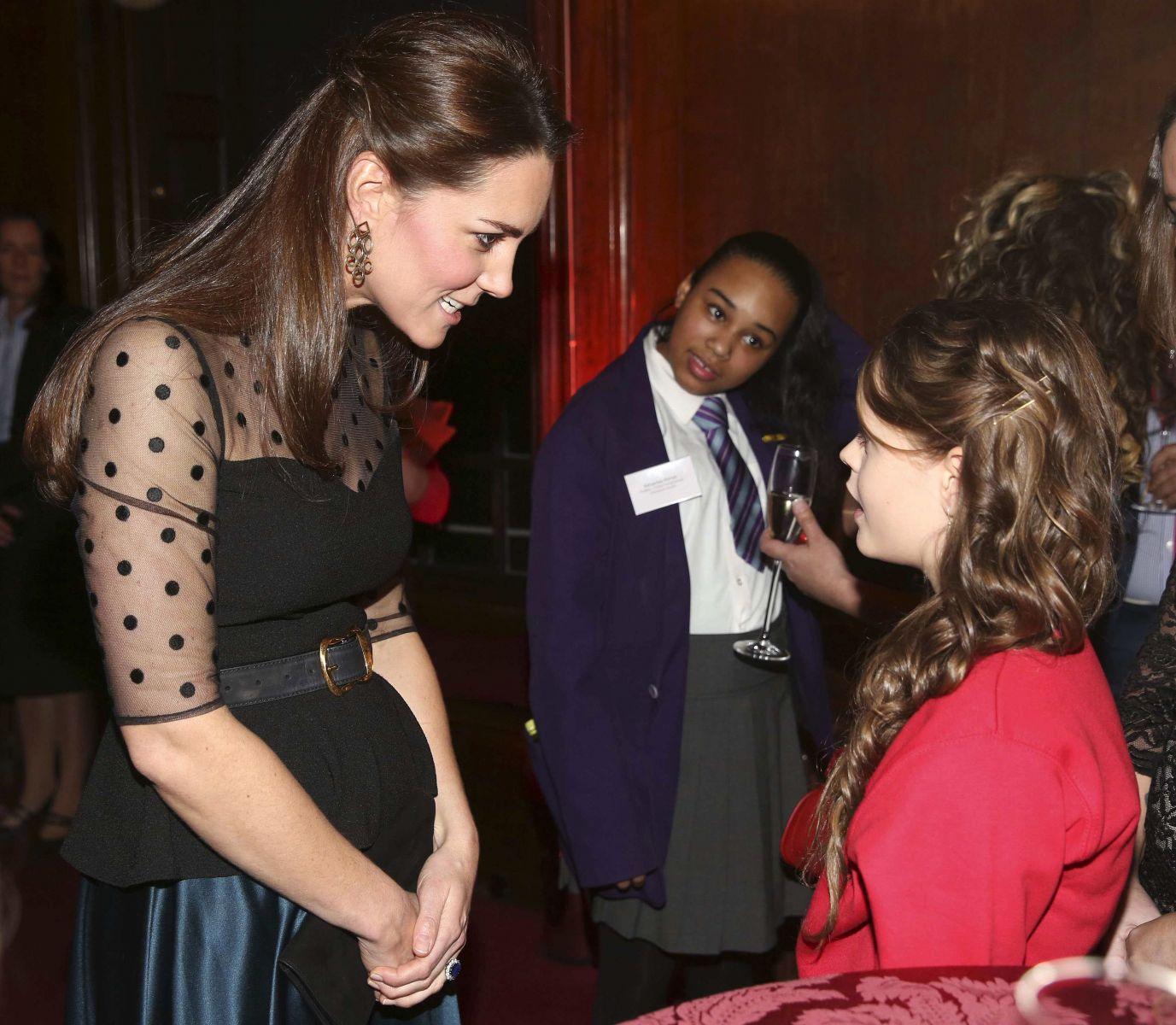 Румяная Кейт Миддлтон посещает светские мероприятия