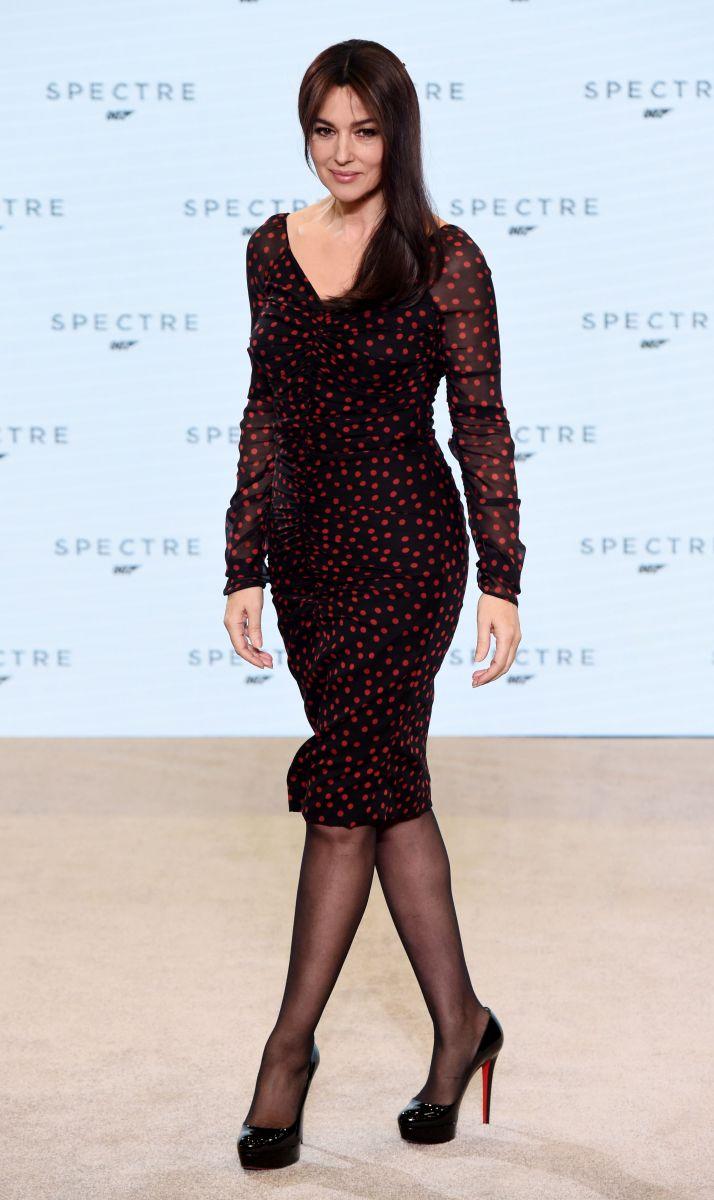 Девушка Бонда Моника Беллуччи сразила своим соблазнительным платьем