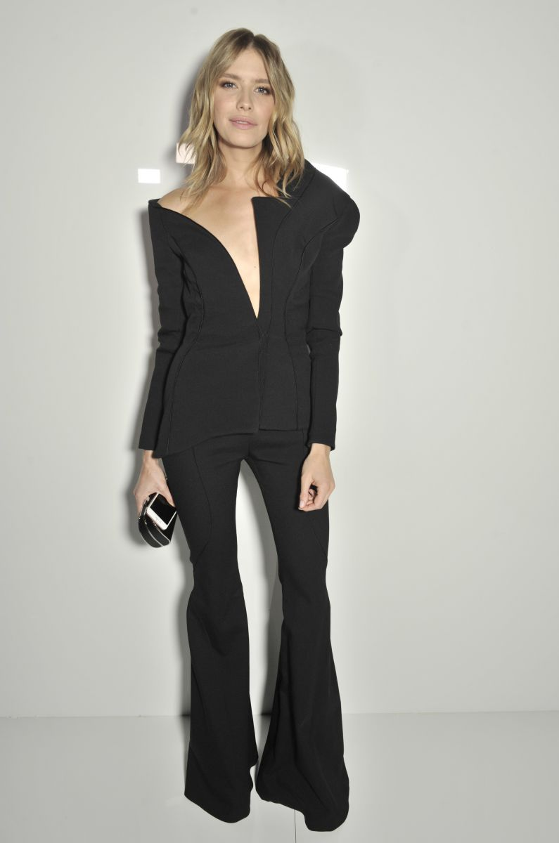 Образ дня: Елена Перминова в роскошном костюме Atelier Versace