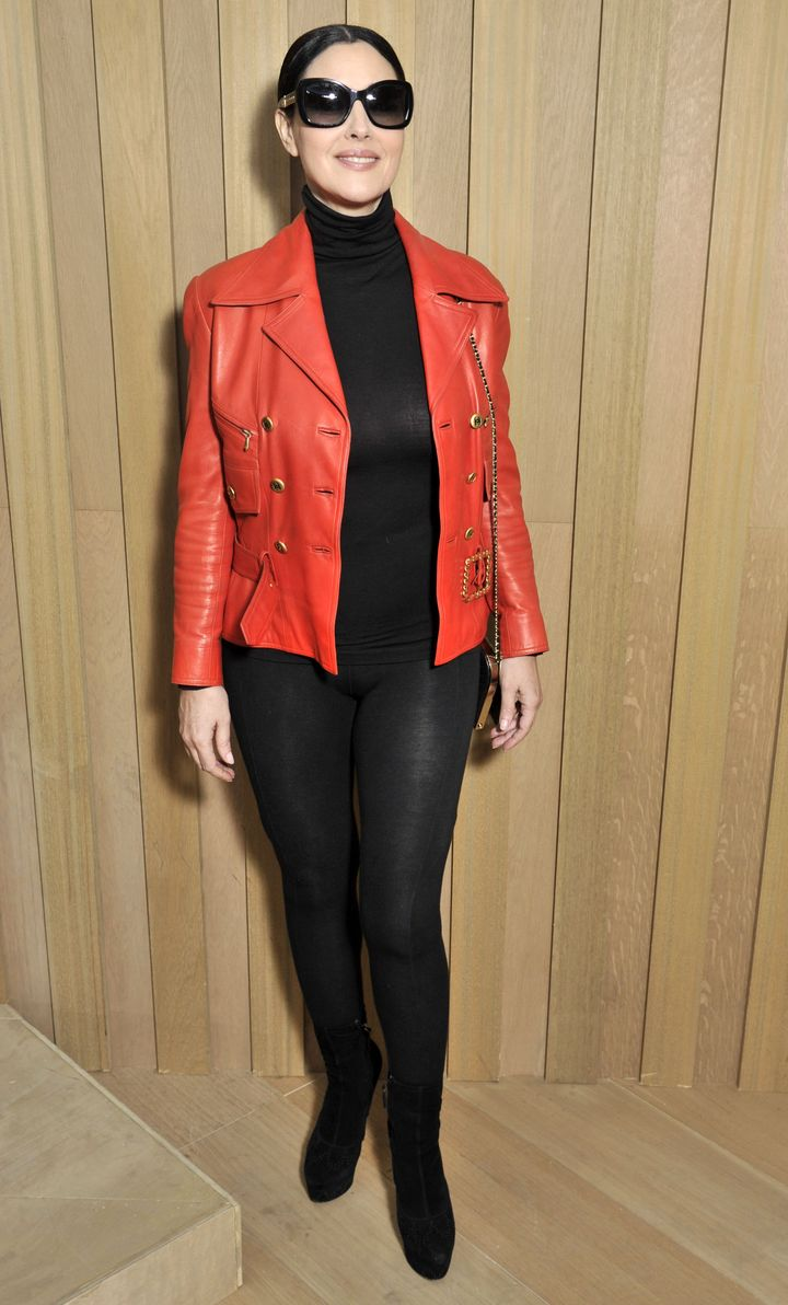 В лабутэнах и лосинах: Моника Беллуччи на показе Chanel Haute Couture фото