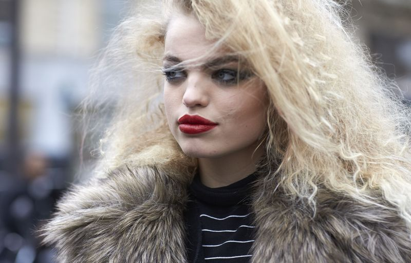 Неделя высокой моды в Париже: лучшие уличные beauty-образы моделей (ФОТО)