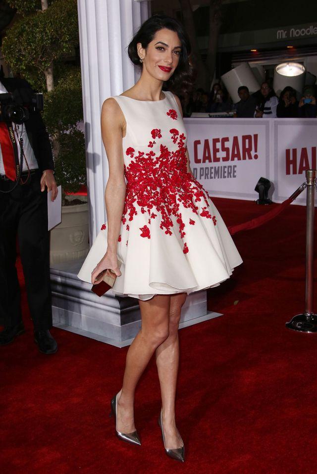 """Образ дня: Амаль Клуни в платье Giambattista Valli Couture на премьере """"Да здравствует Цезарь"""""""