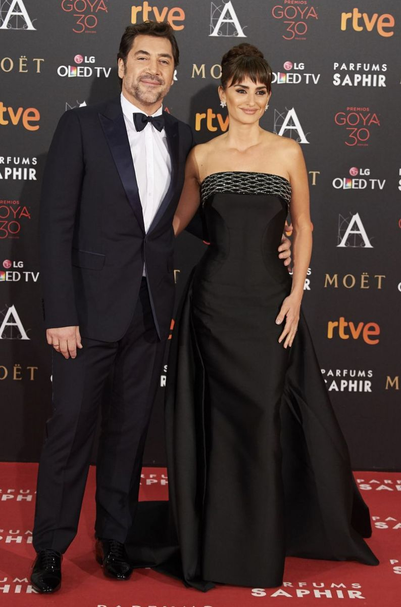 Образ дня: Пенелопа Крус блистает в Atelier Versace на Goya Cinema Awards  2016