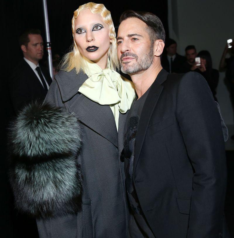 Образ дня: эпатажная Леди Гага на показе Marc Jacobs осень-зима 2016