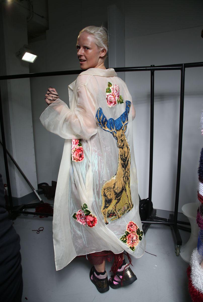 Beauty-образы показа украинского дизайнера Yana Chervinska на Неделе моды в Лондоне