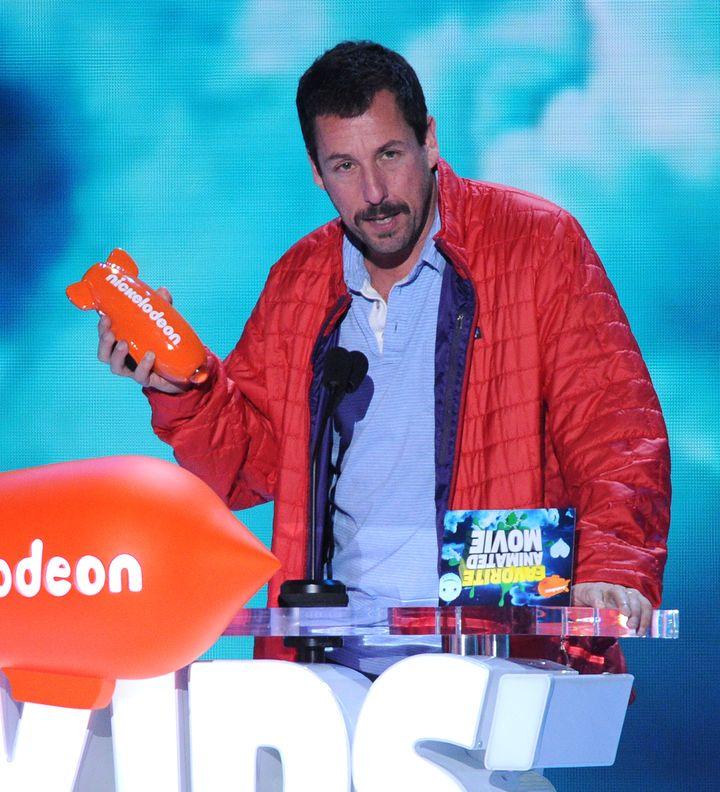 Kids Choice Awards 2016: самые стильные и яркие гости церемонии фото