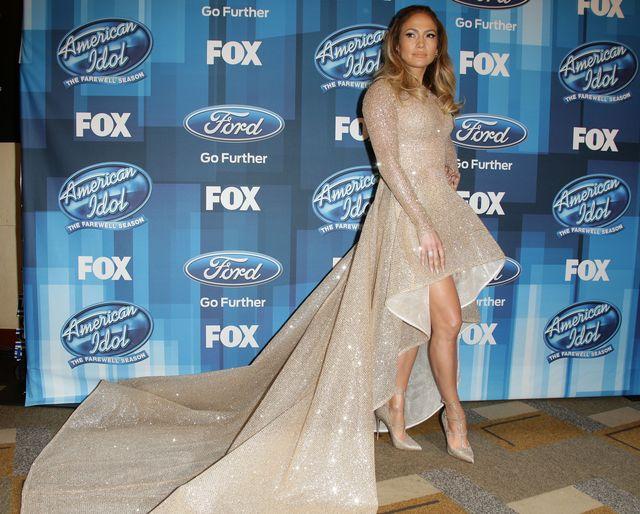 """Образ дня: Дженнифер Лопес на большом финальном концерте """"American Idol"""" фото"""