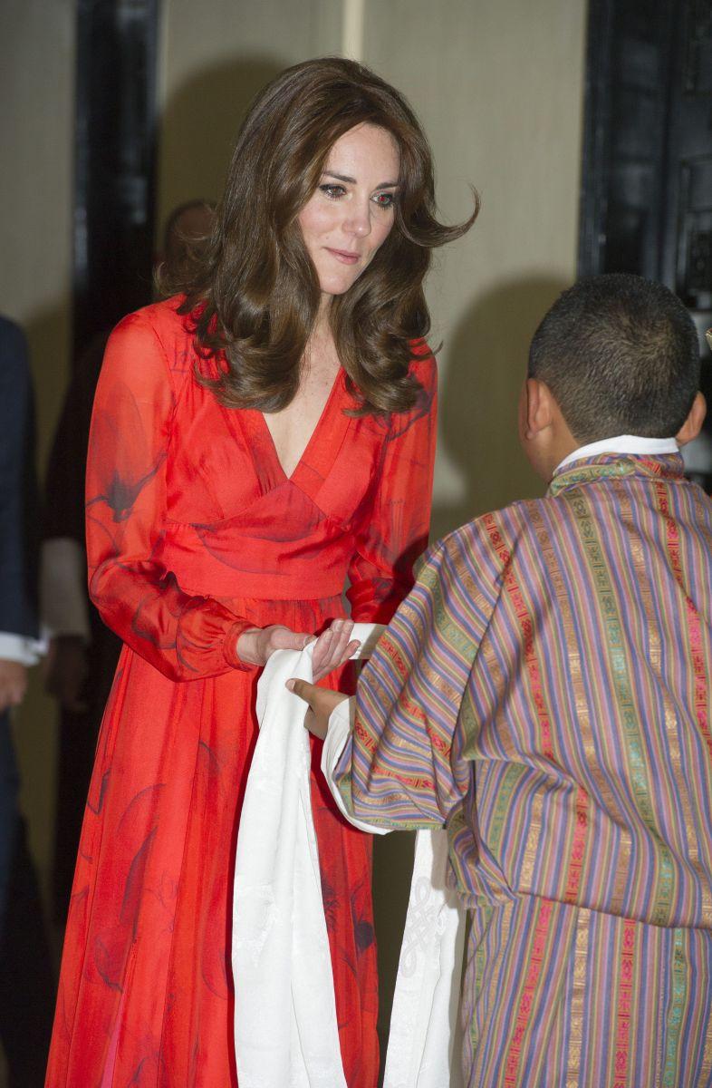 Последний день путешествия: Кейт Миддлтон в сапогах которым 12 лет и в платье за 1000 долларов