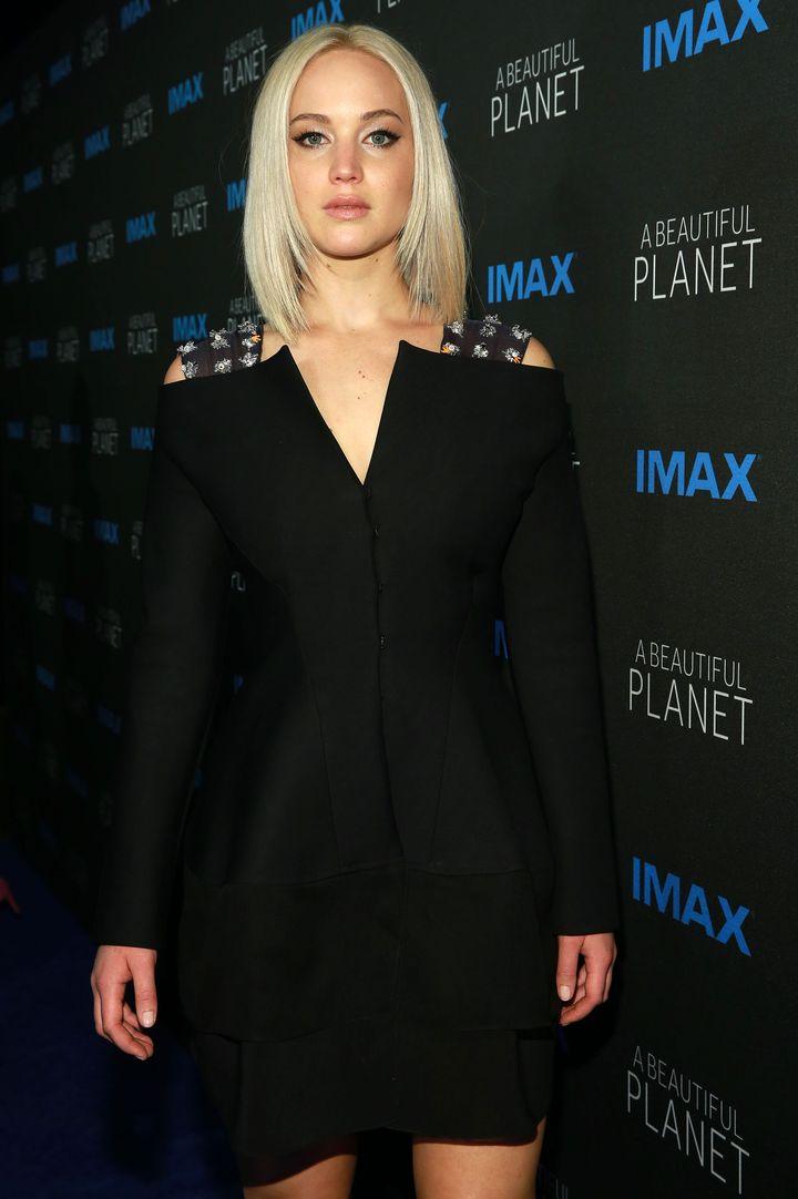 Дженнифер Лоуренс в Dior couture фото 2016