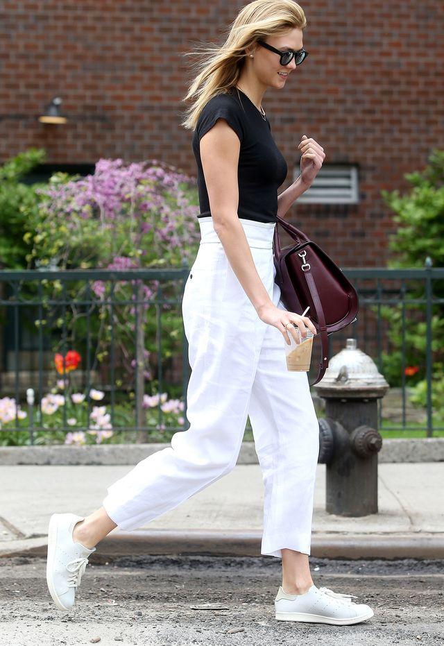 Образ дня: street style икона Карли Клосс на улицах Нью-Йорка фото 2016