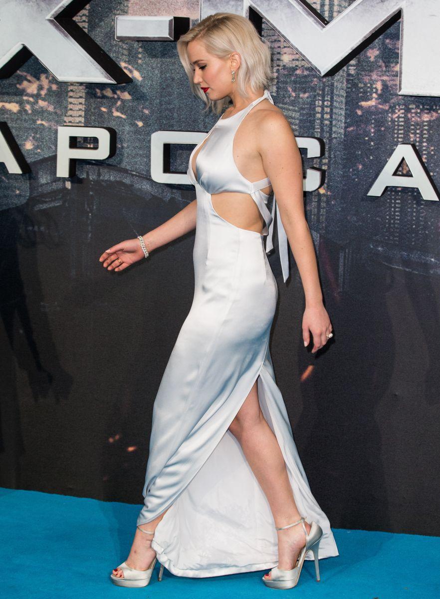"""Образ дня: Дженнифер Лоуренс в Dior на премьере фильма """"Люди Икс: Апокалипсис"""""""