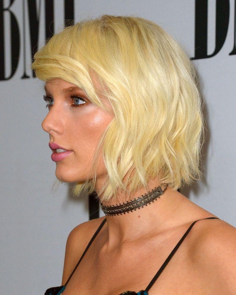 Тейлор Свифт блонд фото 2016