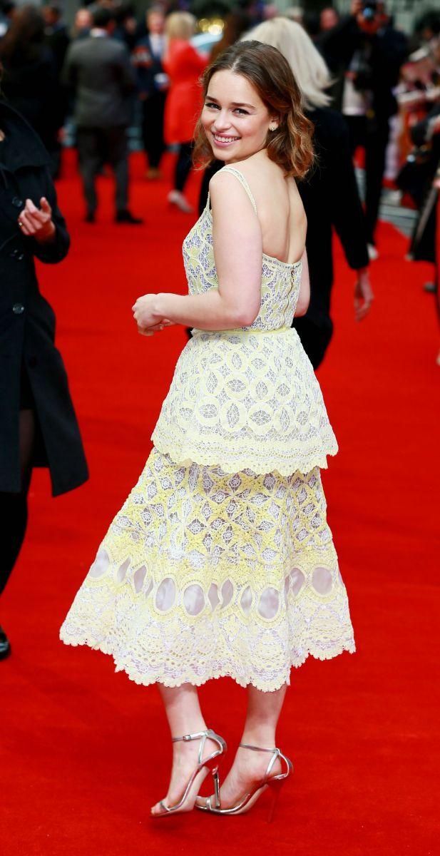 """Образ дня: милейшая Эмилия Кларк на премьере """"До встречи с тобой"""" в Лондоне"""