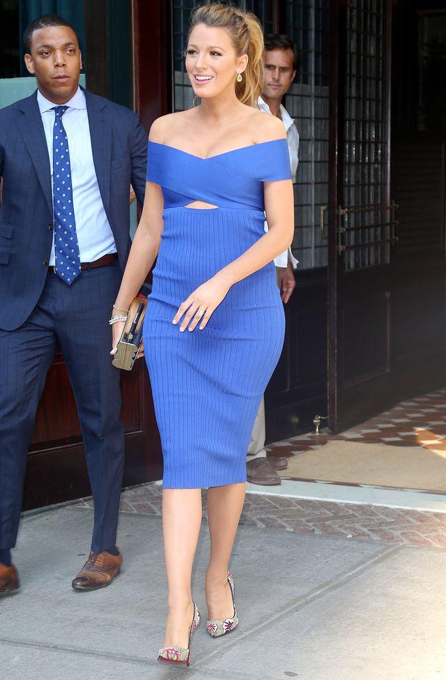 беременная Блейк Лайвли демонстрирует блестящий мамочкин стиль фото