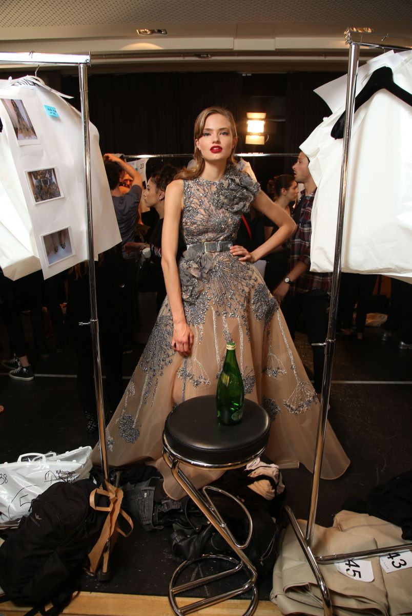 Там, где творится чудо: завораживающий бэкстейдж показа Elie Saab Haute Couture
