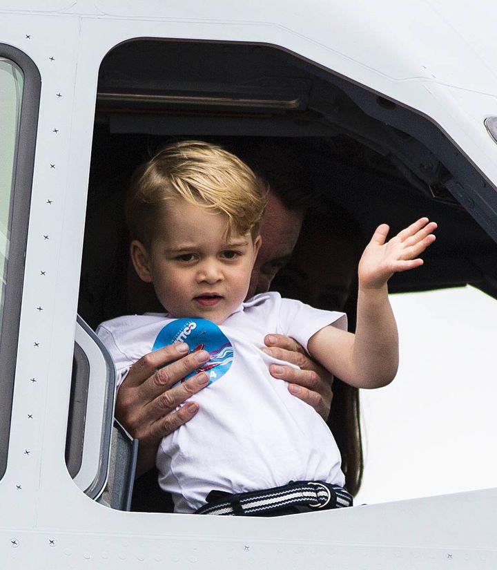 Маленький принц: Кейт Миддлтон и принц Джордж посетили авиашоу в  Глостершире