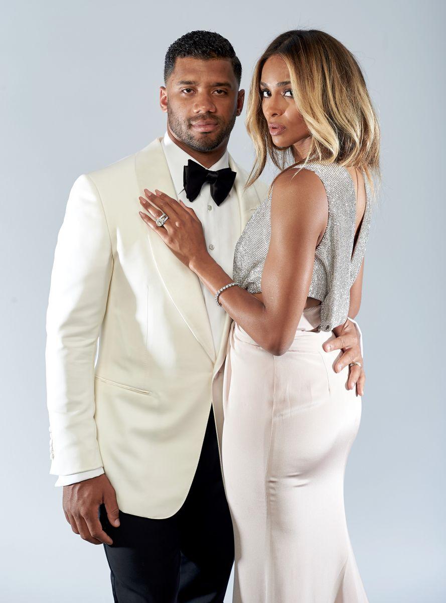 Образ дня: Сиара хвастается обручальным кольцом и платьем Roberto Cavalli на церемонии ESPY