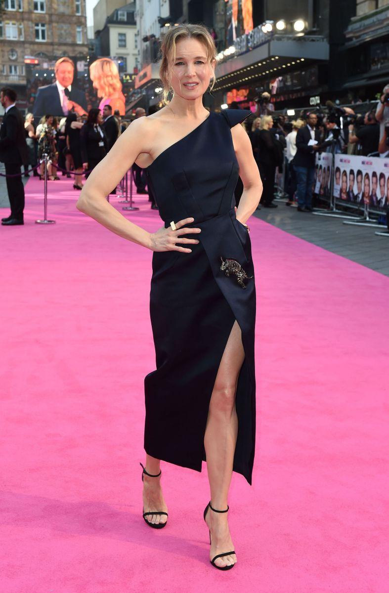 Рене Зеллвегер блеснула стройной фигурой на премьере (ФОТО)