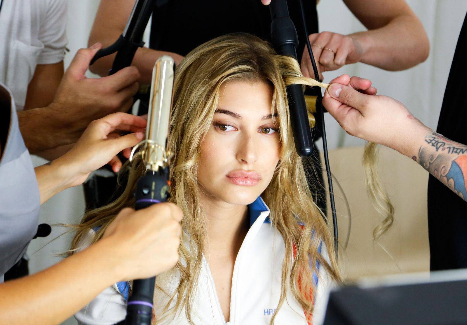 Хейли Болдуин выпустила собственную линейку макияжа (ФОТО)