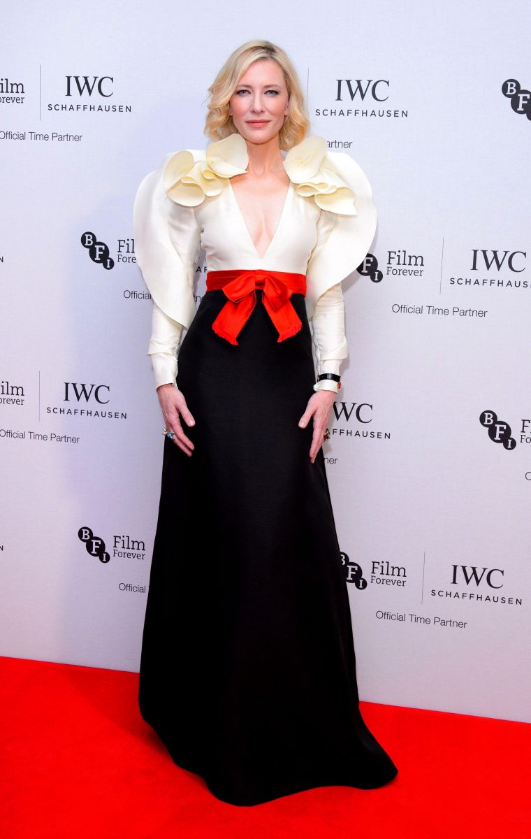 Образ дня: Кейт Бланшетт ошеломительном платье с воланами  (ФОТО)