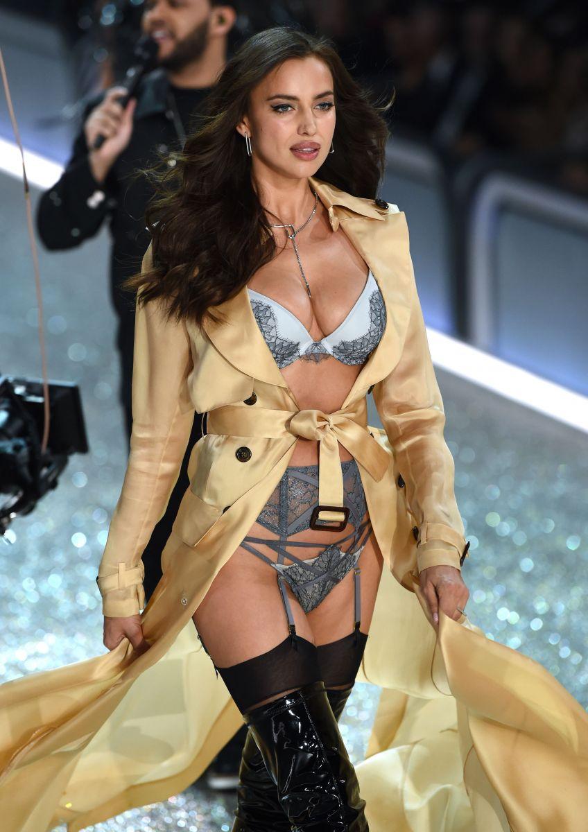 Victoria's Secret Fashion Show-2016: Беременная Ирина Шейк вышла на подиум в нижнем белье (ФОТО)