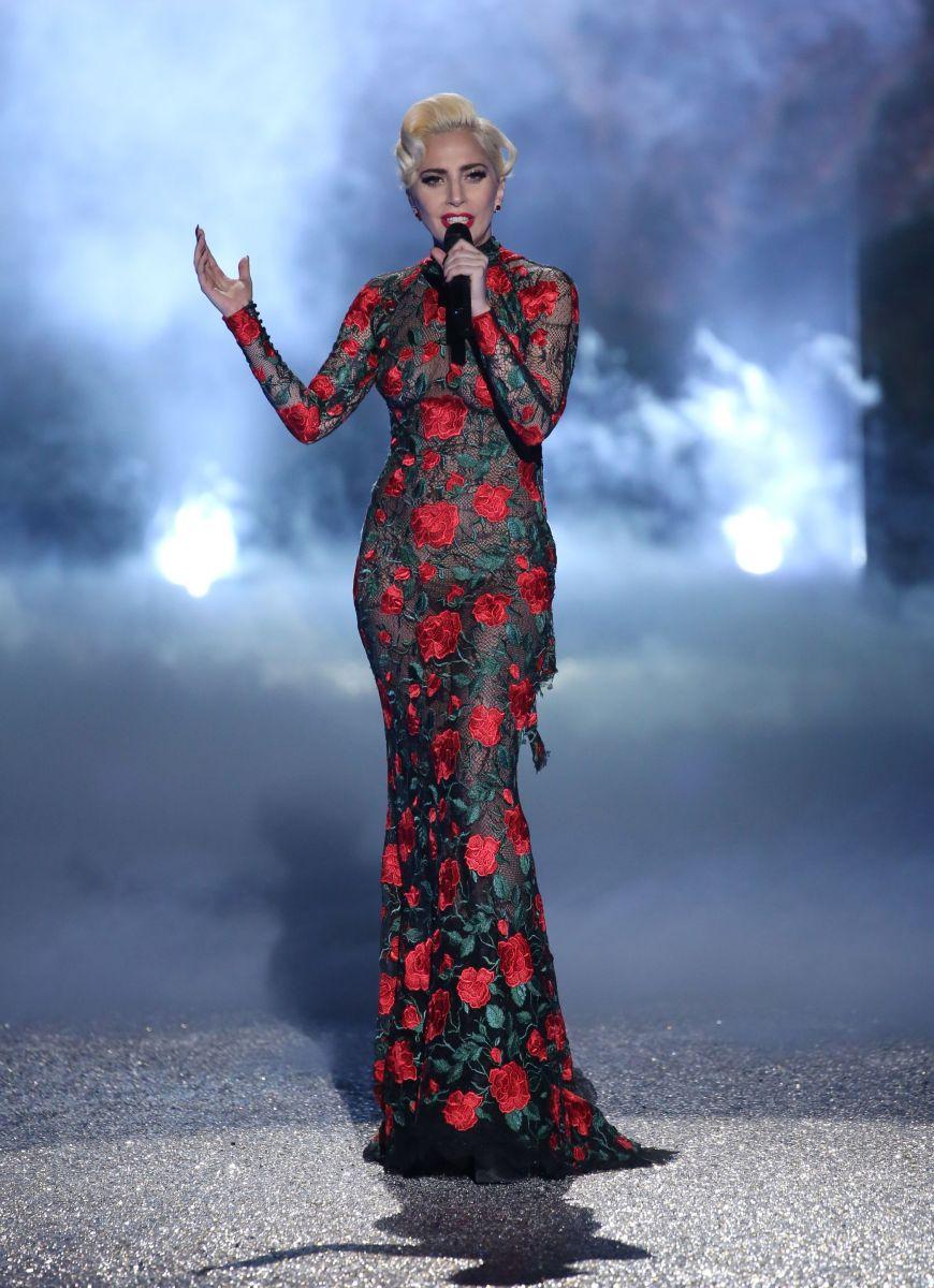 Какие наряды Леди Гага выбрала для Victoria's Secret Fashion Show 2016 (ФОТО)