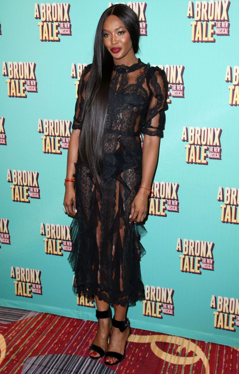 Платье наоми кэмпбелл фото