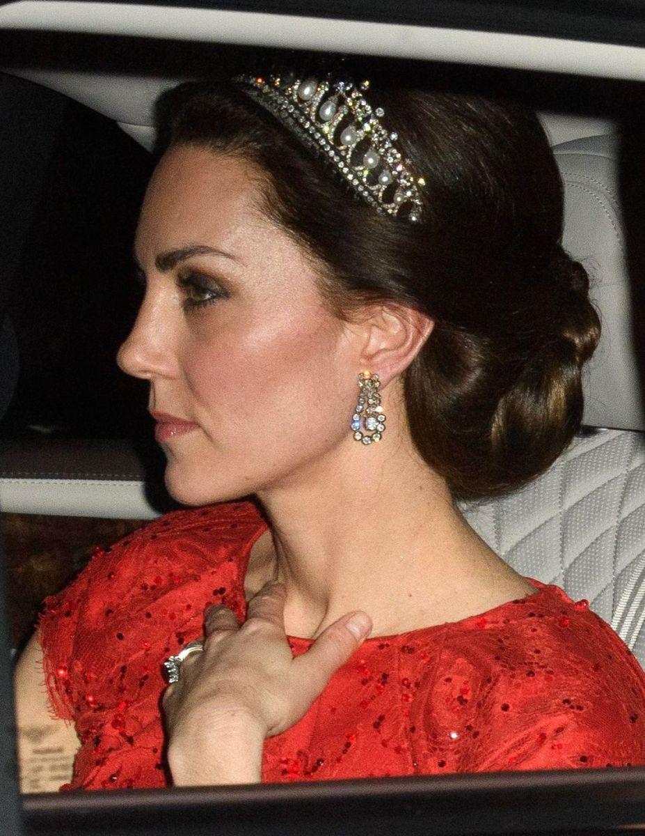 Кейт Миддлтон появилась в тиаре принцессы Дианы (ФОТО)