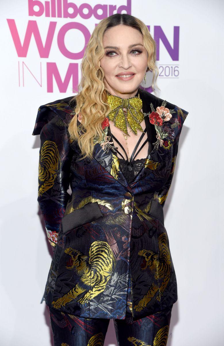 Мадонна покорила оригинальным нарядом на церемонии Billboard (ФОТО)