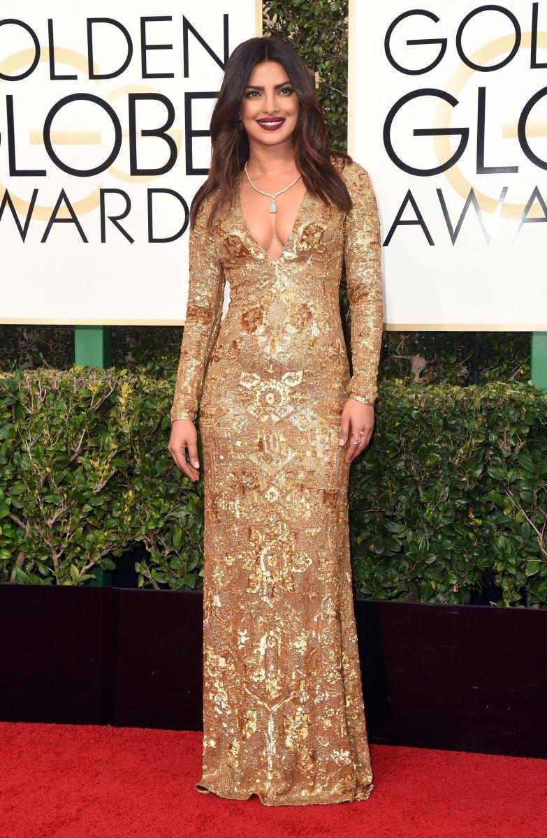 Золотой глобус 2017: лучшие наряды звезд на красной дорожке