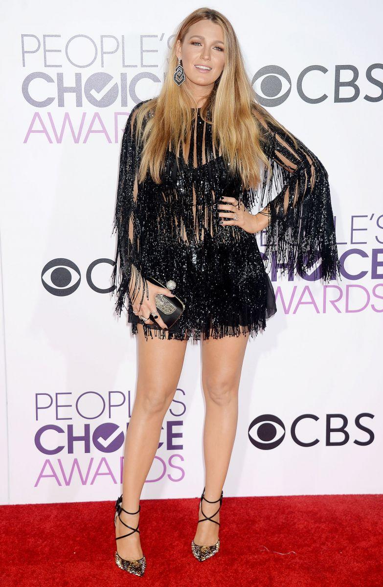 Лучшие наряды звезд на церемонии People's Choice Awards