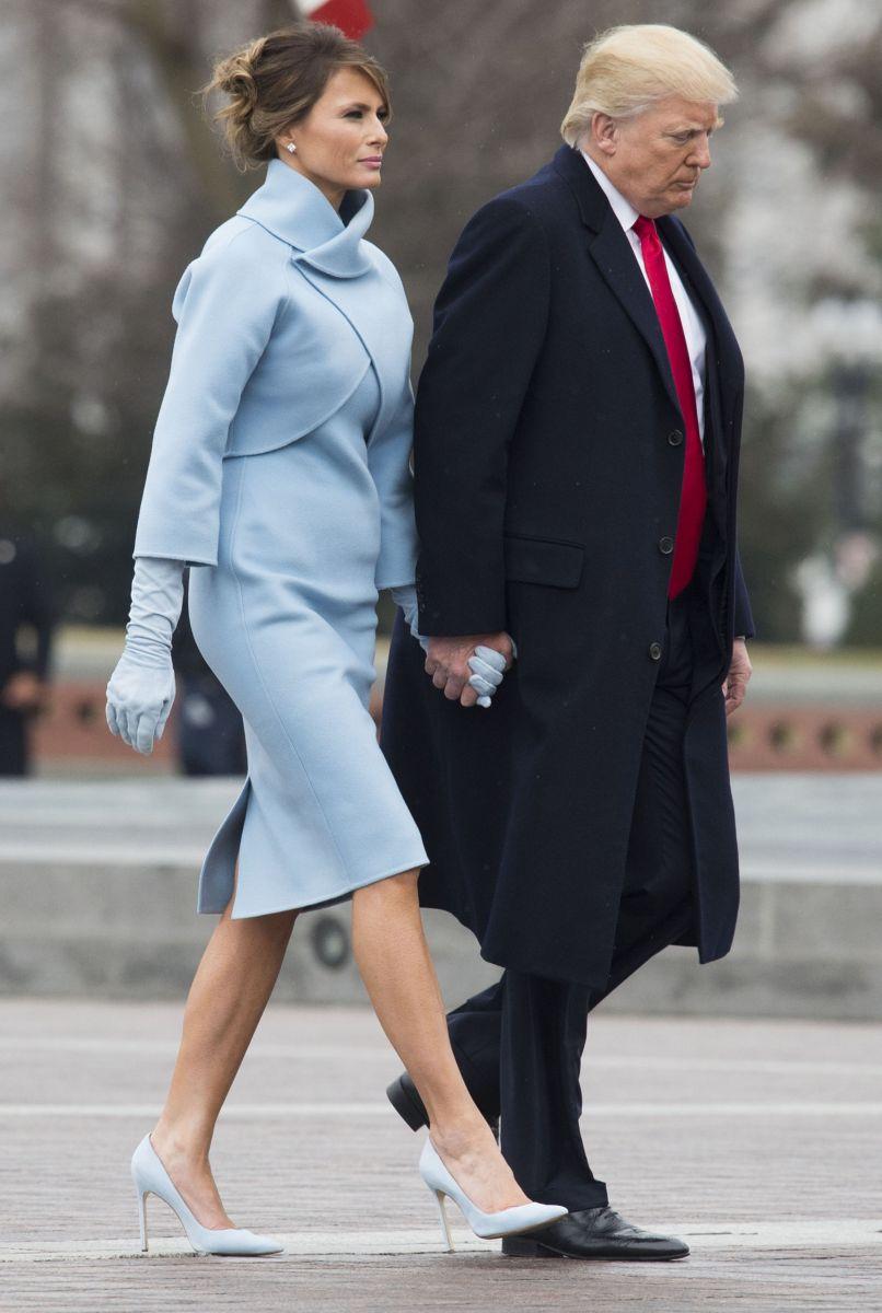 Мелания Трамп сразила роскошными нарядами в день инаугурации президента США