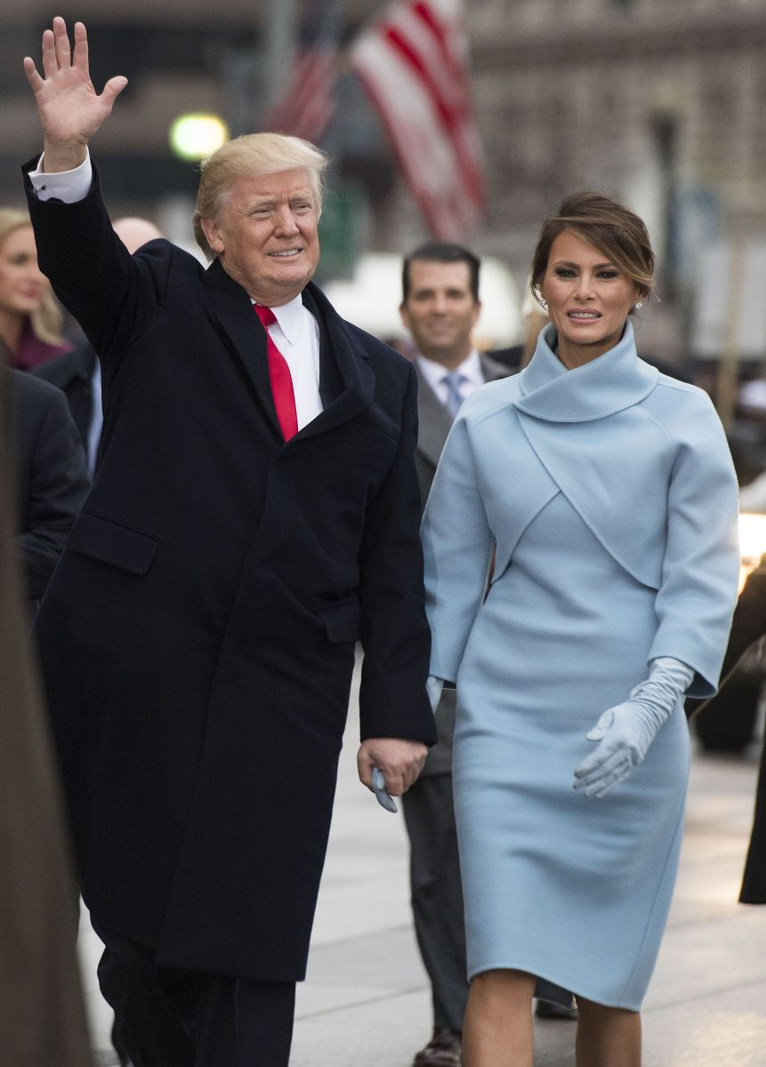 Стиль новой первой леди: Мелания Трамп сразила роскошными нарядами в день инаугурации президента США Мелания Трамп, Мелания Трамп фото, Мелания Трамп инаугурация, Мелания Трамп стиль, Мелания Трамп платье