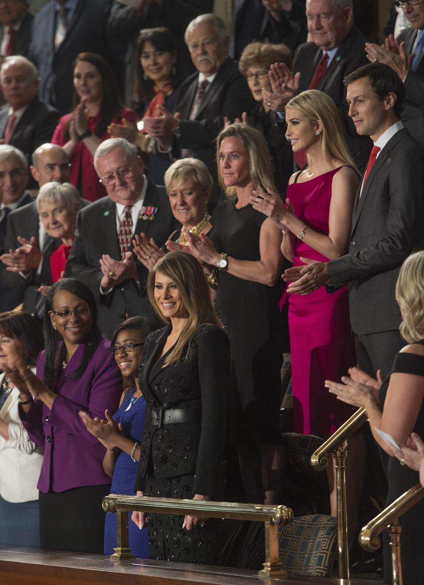 Скромняжка: Мелания Трамп появилась на публике в наряде Michael Kors за 10 тысяч долларов Мелания Трамп в наряде Michael Kors, Мелания Трамп