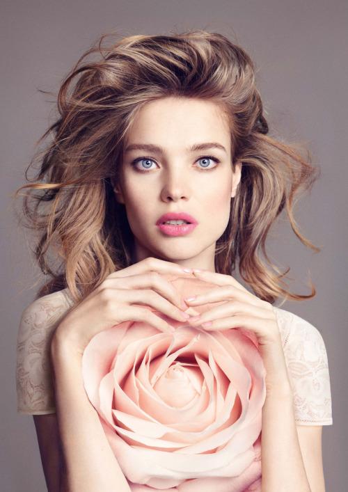 Девушка-цветок: Наталья Водянова представляет осеннюю коллекцию макияжа Guerlain