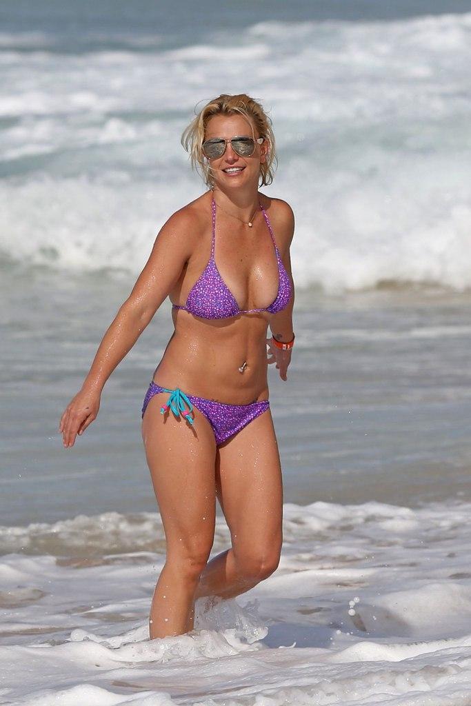 Похудевшая Бритни Спирс продемонстрировала стройную фигуру