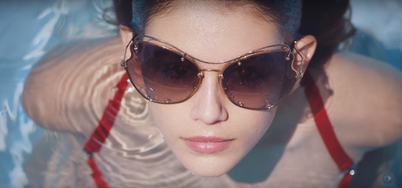 15-летняя дочь Синди Кроуфорд рекламирует солнцезащитные очки Miu Miu фото