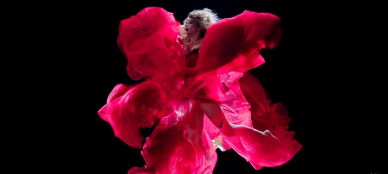 Вера Брежнева представила сказочно красивое видео Feel